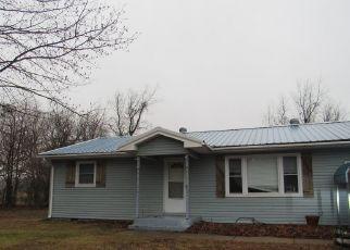 Casa en ejecución hipotecaria in Aurora, MO, 65605,  FORD DR ID: F4446340