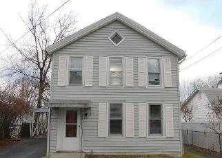 Casa en ejecución hipotecaria in Port Ewen, NY, 12466,  SCHRYVER ST ID: F4446467