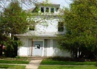 Casa en ejecución hipotecaria in Mitchell, SD, 57301,  S DUFF ST ID: F4447260