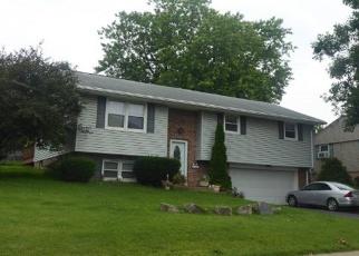 Casa en ejecución hipotecaria in New Holland, PA, 17557,  VALLEY VIEW DR ID: F4447621