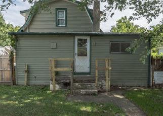Casa en ejecución hipotecaria in Croydon, PA, 19021,  THIRD AVE ID: F4448288