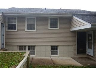 Casa en ejecución hipotecaria in Mound, MN, 55364,  WILDHURST TRL ID: F4450156