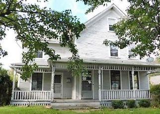 Casa en ejecución hipotecaria in Canaan, CT, 06018,  CHURCH ST ID: F4450209