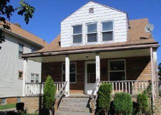 Casa en ejecución hipotecaria in Cleveland, OH, 44144,  IRA AVE ID: F4450307