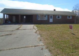 Casa en ejecución hipotecaria in Danville, VA, 24540,  MEDICAL CENTER RD ID: F4451676