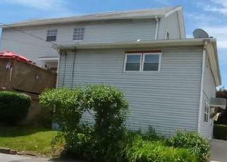 Casa en ejecución hipotecaria in Taylor, PA, 18517,  S KEYSER AVE ID: F4451689