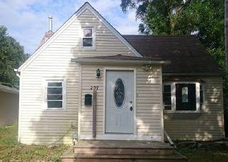 Casa en ejecución hipotecaria in Round Lake, IL, 60073,  CLIFTON DR ID: F4451721