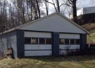Casa en ejecución hipotecaria in Cambria Condado, PA ID: F4452022
