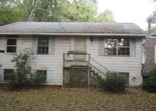 Casa en ejecución hipotecaria in Deep River, CT, 06417,  CEDAR LAKE RD ID: F4453071