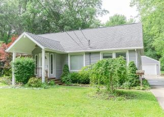 Casa en ejecución hipotecaria in Olmsted Falls, OH, 44138,  WATER ST ID: F4453309