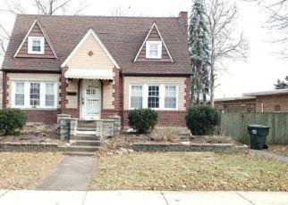Casa en ejecución hipotecaria in Bellwood, IL, 60104,  BOHLAND AVE ID: F4454460