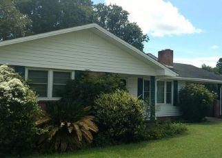 Casa en ejecución hipotecaria in Andrews, SC, 29510,  S CEDAR AVE ID: F4454470