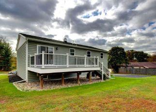 Casa en ejecución hipotecaria in Douglassville, PA, 19518,  ROSEWOOD DR ID: F4454856