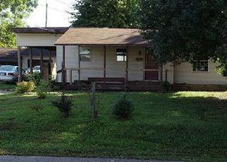 Casa en ejecución hipotecaria in Belpre, OH, 45714,  LOCUST ST ID: F4454884