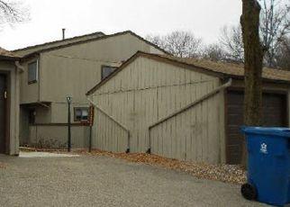 Casa en ejecución hipotecaria in Eden Prairie, MN, 55346,  SAINT JOHNS DR ID: F4455607