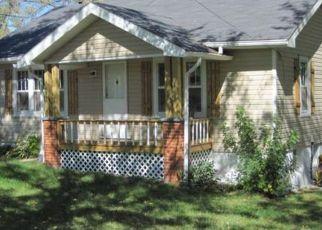 Casa en ejecución hipotecaria in Salem, MO, 65560,  E 10TH ST ID: F4457034