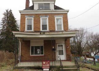 Casa en ejecución hipotecaria in Pittsburgh, PA, 15221,  ROSS AVE ID: F4459604