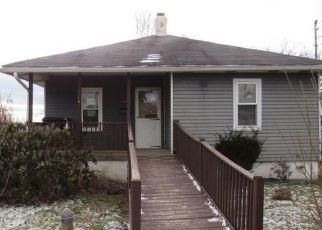 Casa en ejecución hipotecaria in Bethel Park, PA, 15102,  MAPLE ST ID: F4459611