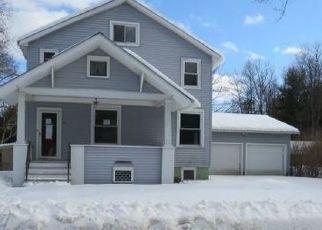 Casa en ejecución hipotecaria in Broadalbin, NY, 12025,  SCHOOL ST ID: F4459860