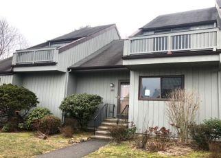 Casa en ejecución hipotecaria in Branford, CT, 06405,  HEMLOCK RD ID: F4461824