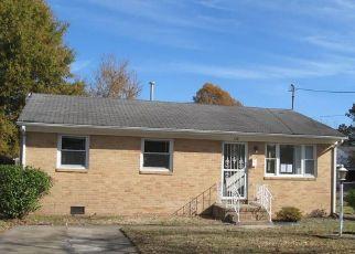 Casa en ejecución hipotecaria in Hampton, VA, 23661,  CATALPA AVE ID: F4462552