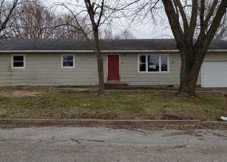 Casa en ejecución hipotecaria in Aurora, MO, 65605,  N HARRISON AVE ID: F4462784