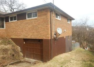 Casa en ejecución hipotecaria in West Mifflin, PA, 15122,  ROBERTS ST ID: F4463261
