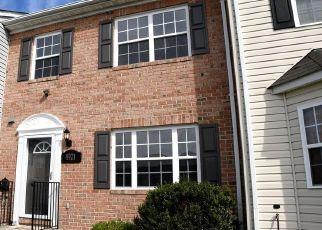 Casa en ejecución hipotecaria in Oxon Hill, MD, 20745,  WALL FLOWER WAY ID: F4463575