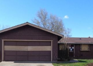 Foreclosure Home in Phoenix, OR, 97535,  CORAL CIR ID: F4463970
