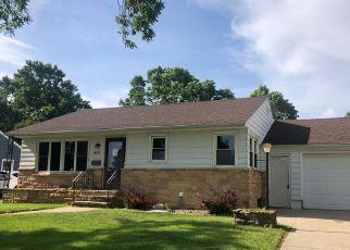 Casa en ejecución hipotecaria in Austin, MN, 55912,  3RD AVE SE ID: F4464121