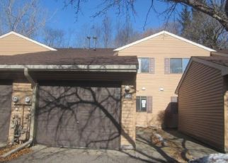 Casa en ejecución hipotecaria in Circle Pines, MN, 55014, D SOUTH DR ID: F4464123