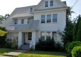Casa en ejecución hipotecaria in Bridgeport, CT, 06604,  CHALMERS AVE ID: F4464648
