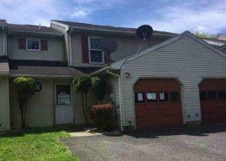 Casa en ejecución hipotecaria in Bethlehem, PA, 18017,  BRIARSTONE RD ID: F4465052