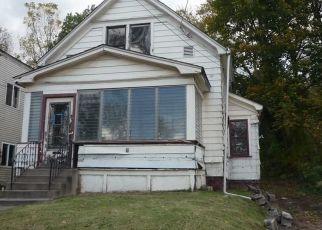 Casa en ejecución hipotecaria in Akron, OH, 44307,  FERN ST ID: F4465155