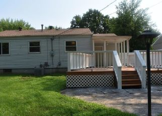 Casa en ejecución hipotecaria in Maryland Heights, MO, 63043,  MARS LN ID: F4465221