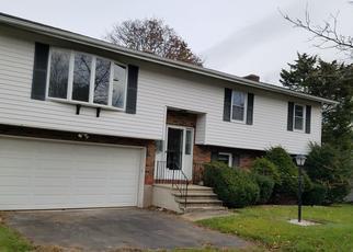 Casa en ejecución hipotecaria in North Haven, CT, 06473,  HOMEWOOD AVE ID: F4465448