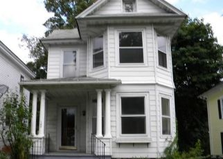 Casa en ejecución hipotecaria in Watertown, CT, 06795,  WOODRUFF AVE ID: F4465750