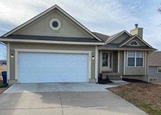 Casa en ejecución hipotecaria in Lees Summit, MO, 64064,  NE QUEENS CIR ID: F4468336