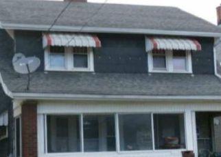 Casa en ejecución hipotecaria in Canton, OH, 44704,  HIGHLAND RD NE ID: F4469563