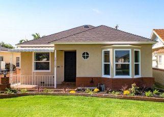 Casa en ejecución hipotecaria in South Gate, CA, 90280,  WALNUT AVE ID: F4470679