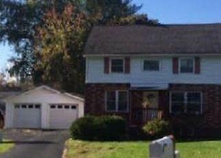 Casa en ejecución hipotecaria in Fort Johnson, NY, 12070,  LEPPER RD ID: F4470873