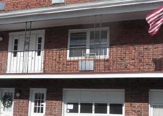 Casa en ejecución hipotecaria in Vernon Rockville, CT, 06066,  REGAN RD ID: F4470895