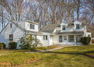 Casa en ejecución hipotecaria in Morrisville, PA, 19067,  KINGS RD ID: F4471270