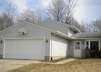 Casa en ejecución hipotecaria in Elyria, OH, 44035,  MEADOWFIELD CT ID: F4472695