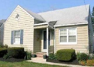 Casa en ejecución hipotecaria in Euclid, OH, 44132,  E 250TH ST ID: F4476857