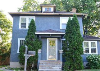 Casa en ejecución hipotecaria in Hibbing, MN, 55746,  9TH AVE E ID: F4477745