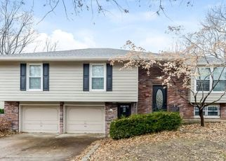 Casa en ejecución hipotecaria in Lees Summit, MO, 64064,  NE WOODS CT ID: F4479783