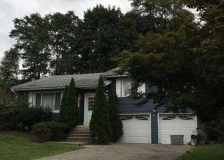 Casa en ejecución hipotecaria in New Windsor, NY, 12553,  GUERNSEY DR ID: F4479841