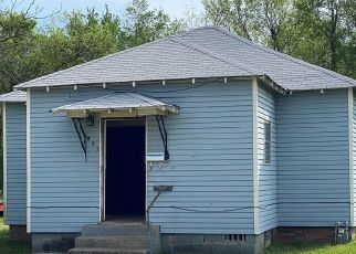 Foreclosure Home in Okmulgee, OK, 74447,  N MUSKOGEE AVE ID: F4480272