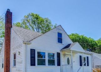 Casa en ejecución hipotecaria in Capitol Heights, MD, 20743,  64TH AVE ID: F4480328